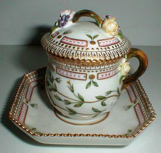 Flora Danica porcelæn købes