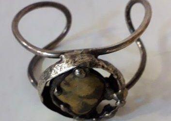 Smykker i sølv købes